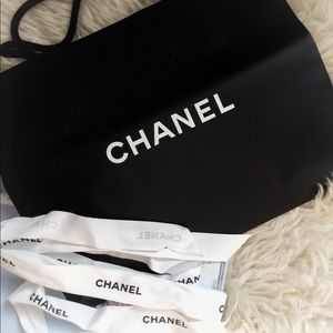 CHANEL Shopping bag with gift ribbon